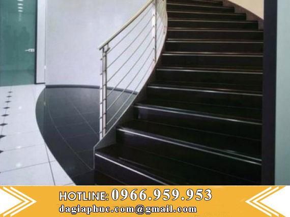 Cầu Thang Đá Granite Màu Đen
