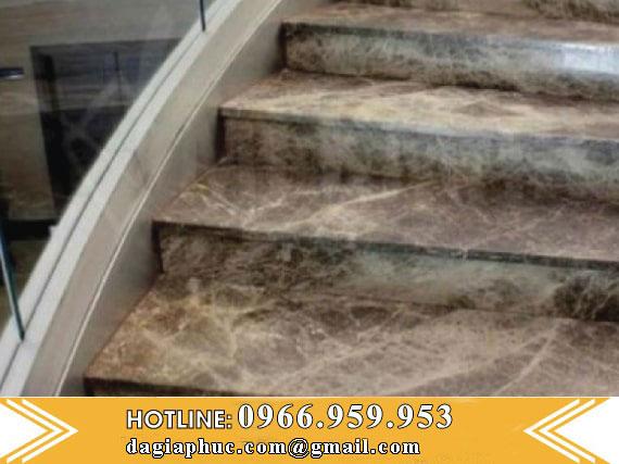 Cầu Thang Đá Marble Màu Nâu