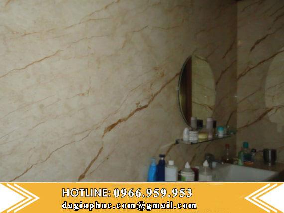 Phòng Tắm Ốp Đá Tự Nhiên Vàng Kem Nhiệt Đới
